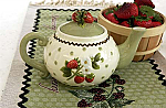 Berry Sweet Teapot